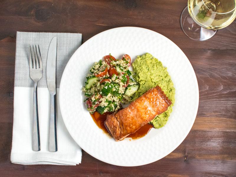 Dinnermediterraneansalmon.png?ixlib=rb 0.3.4&sharp=10&vib=10&gam= 5&auto=format&ch=width%2cdpr&dpr=2