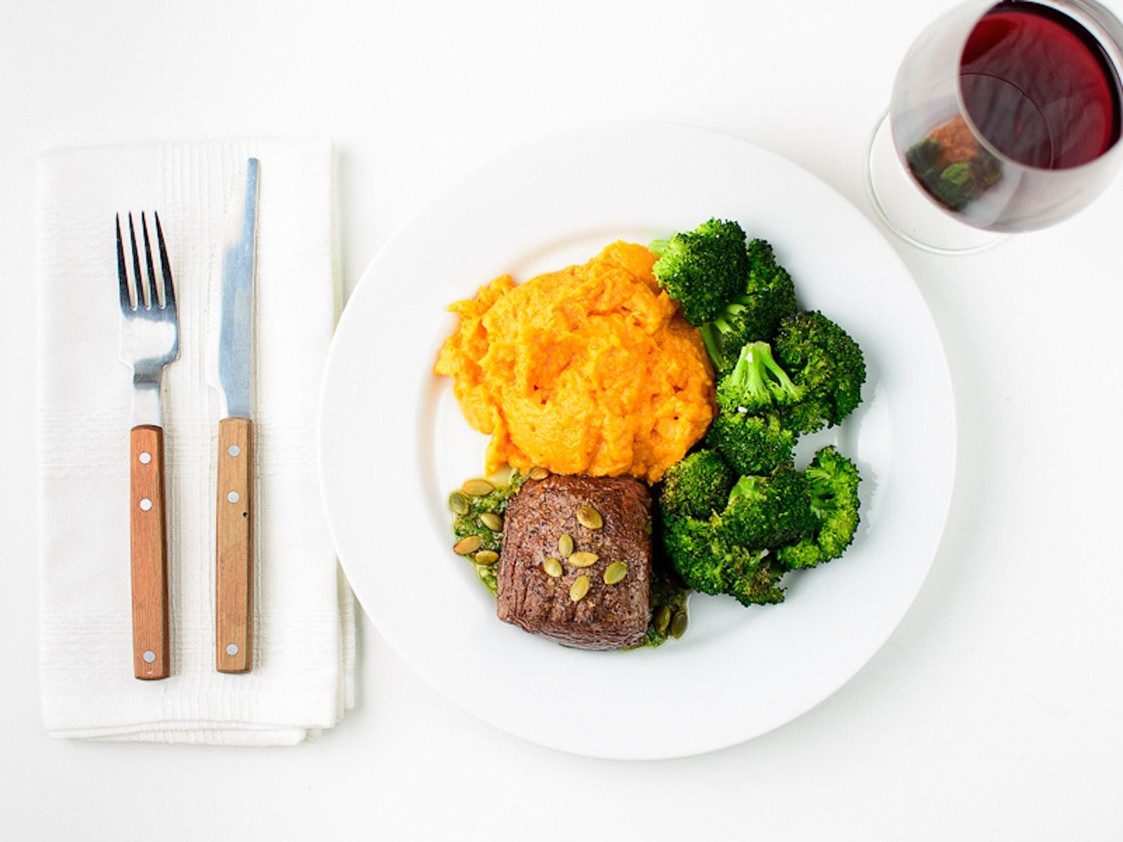 White apron dc calories - Steak With Pumpkin Seed Pesto